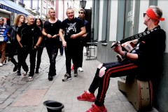 """Video: LĪVI publicē """"Kad aizeju ar draugiem"""" videoklipu"""
