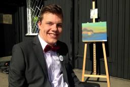 Notiks labdarības izsole paralizētā mākslinieka Mareka Odumiņa atbalstam