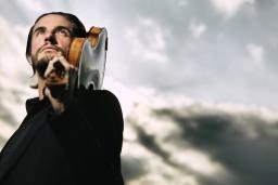 Šonedēļ ar kamermūzikas koncertu Rīgā viesosies izcilais austriešu vijolnieks Johanness Fleišmans