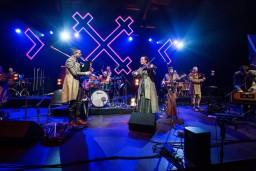 """Muzikālā apvienība """"Raxtu Raxti"""" nedēļas nogalē aicina uz Latvijas svētku lielkoncertiem"""