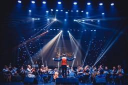 """Latvijā pirmoreiz uzstāsies orķestris """"Lords of The Sound"""""""