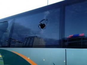 """Pēc uzbrukuma """"Panathinaikos"""" autobusam Grieķijā atceļ pirmo finālspēli"""