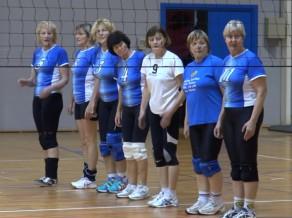 """Valmieriešiem medaļas veterānu volejbola turnīrā """"Valmieras kauss"""""""