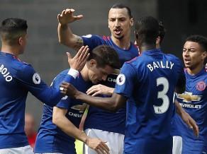 """Mančestras """"United"""" pārliecinoši uzvar pēdējā vietā esošo """"Sunderland"""""""
