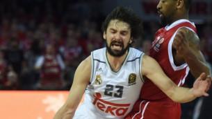 """Video: Spēle beidzas tikai tad, kad Ļuļs tā saka – """"Real"""" izrauj neticamu uzvaru"""