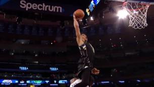 Video: NBA nedēļas topā iespaidīgi triumfē Adetokunbo