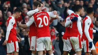 Divas pendeles pēdējās minūtēs – ''Arsenal'' izcīna dramatisku uzvaru