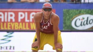 Točs un Finsters uzvar pirmajā setā, tomēr izstājas no Eiropas čempionāta