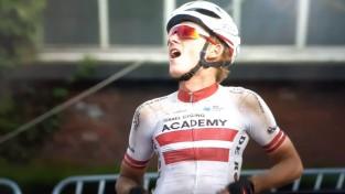 Neilands ar soloizrāvienu triumfē velobraucienā Beļģijā