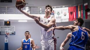 Latvijas U20 basketbola izlase EČ mačā droši uzvar Azerbaidžānu