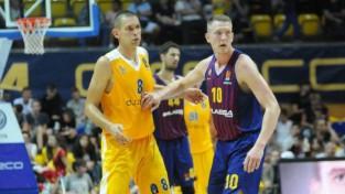 """Šmits debitē """"Barcelona"""" sastāvā ar deviņiem punktiem Spānijas Superkausā"""