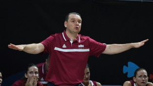 Zībarts uzņemas atbildību un neturpinās trenēt Latvijas sieviešu izlasi