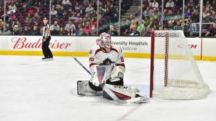 Kivlenieks atvaira 23 metienus, bet piedzīvo zaudējumu AHL