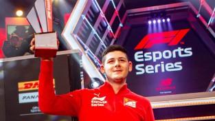 """""""Ferrari"""" šogad izdevies tikt vismaz pie viena F1 titula"""