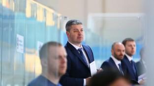 Divkārtējais pasaules čempions Zinovjevs varētu kļūt par Tambijeva konsultantu