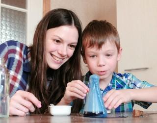24 foršas idejas, kā #paliecmājās laikā nodarbināt bērnus
