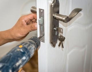 Slēdzenes remonts tagad pieejams pēc izsaukuma visas diennakts laikā