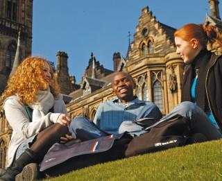 15. janvāris tuvojas - turpinās pieteikumu pieņemšana bakalaura studijām Lielbritānijas universitātēs 2013./2014. mācību gadam