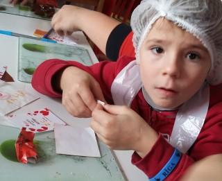 Latvijā meklē viesģimenes diviem bērniem, kas cietuši karadarbībā Ukrainā
