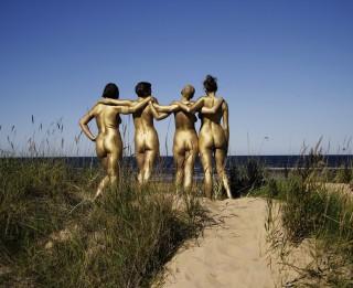 Aicina uz feministiskās mākslas šovu un  FEMBLOKS atklāšanu