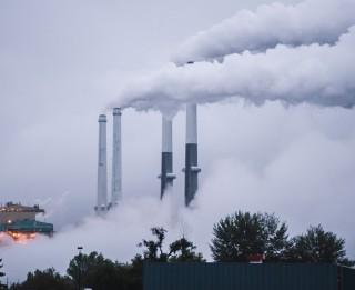 """Vai Donalda Trampa """"tīro ogļu"""" plāns ir industrijas nākotne?"""