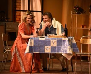"""Leģendārā luga """"Laulības dzīves ainas"""" Daile teātrī"""