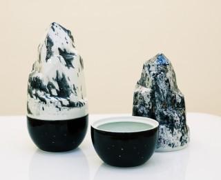 """""""Rīgas mākslas telpā"""" būs  stikla un keramikas dizaina izstāde """"Vairāk ir vairāk II"""""""