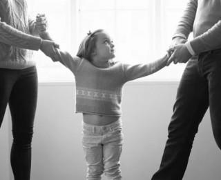 Laulības šķiršana un bērns: ko teikt un kā palīdzēt?