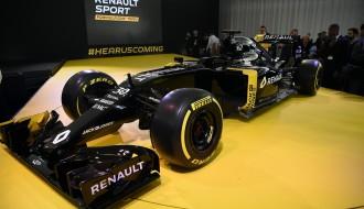 "Foto: ""Renault"" prezentē 2016. gada F1 modeli RS16"