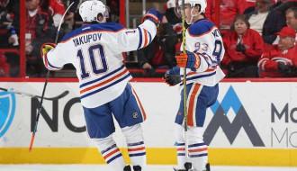 """Video: Līnijtiesnesis savaino """"Oilers"""" uzbrucēju Jakupovu"""