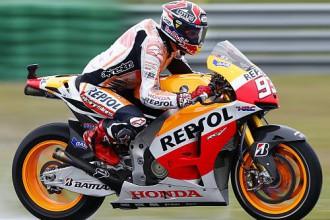 Markess pēc saspringtas cīņas ar Lorenco uzvar MotoGP posmā Lielbritānijā