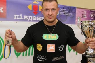 Rozentālam trešā vieta un divi rekordi WSF pasaules spēkavīru čempionātā