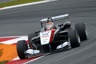 Makss Verstapens nākamgad kļūs par visu laiku jaunāko F1 pilotu