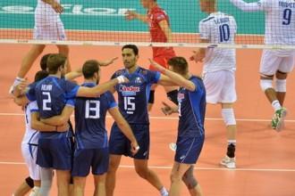 Itālija atspēlē divus setus un uzvar Franciju, Irāna pieveic arī ASV