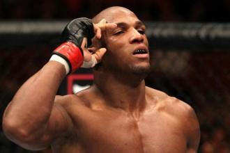UFC lauzusi līgumu ar Francisu Karmontu