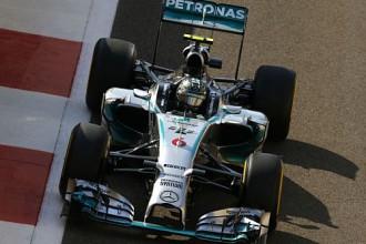 Rosbergs izšķirošā F1 posma kvalifikācijā pārspēj Hamiltonu