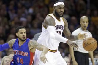 """""""Cavs"""" izgāžas pret Detroitu, """"Spurs"""" atrisina Hjūstonas problēmu"""