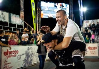 """Foto: Daugavas krastmalā noskaidroti """"Ghetto Games"""" sestās sezonas čempioni"""