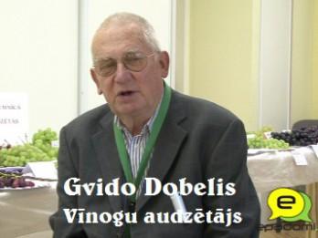 """Video: """"Latvijas vīnogas ir vitamīniem bagātākas"""": intervija ar vīnogu audzētāju Gvido Dobeli"""