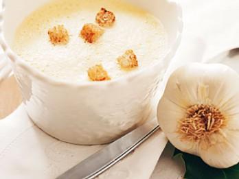 Aigo boulido- senā franču zupa, kas lieliski der uz paģirām