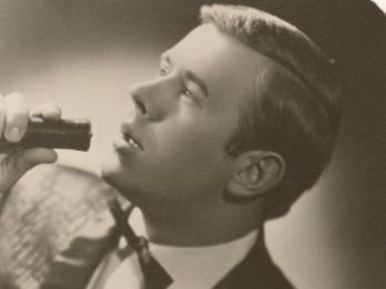 Mūžībā aizgājis leģendārais latviešu dziedātājs Ojārs Grinbergs