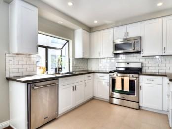 Noderīgi padomi, kā izvēlēties virtuves mēbeles