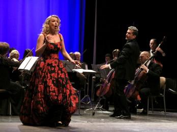 """Sonora Vaice, Nauris Indzeris un Jānis Kurševs Valentīndienas koncertā """"Ak, mīlestība, mīlestība!"""""""