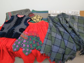 Liepājas muzejs ieguvis vērtīgu etnogrāfijas tekstiliju kolekcijas papildinājumu