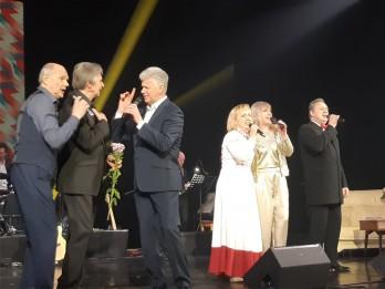 """Elegantajā un sirsnīgajā """"Retro vakarā"""" Jelgavā pulcēsies leģendāri mākslinieki"""