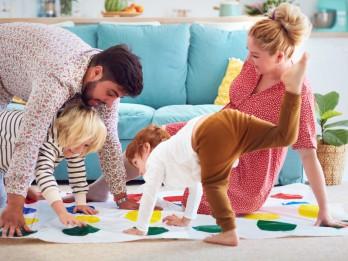 Aizraujošas galda un viesību spēles - prieks visai ģimenei