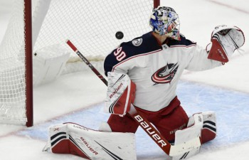 Merzļikins otrajā NHL spēlē atvaira 30 no 33 metieniem un zaudē papildlaikā