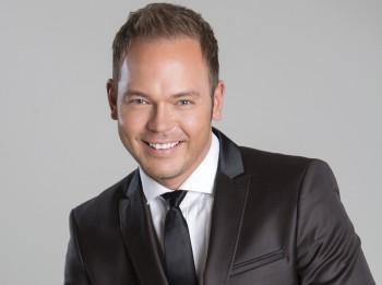 Lauris Reiniks svētku tūri sāk ar izpārdotu koncertu Jelgavā