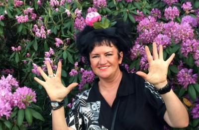 Modes māksliniece Elita Patmalniece par dzīvesprieku un spēju pieņemt situāciju