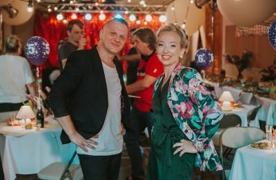 """Lieliskā komēdija """"Klases salidojums"""" būs skatāma 146 vietās Latvijas novados"""